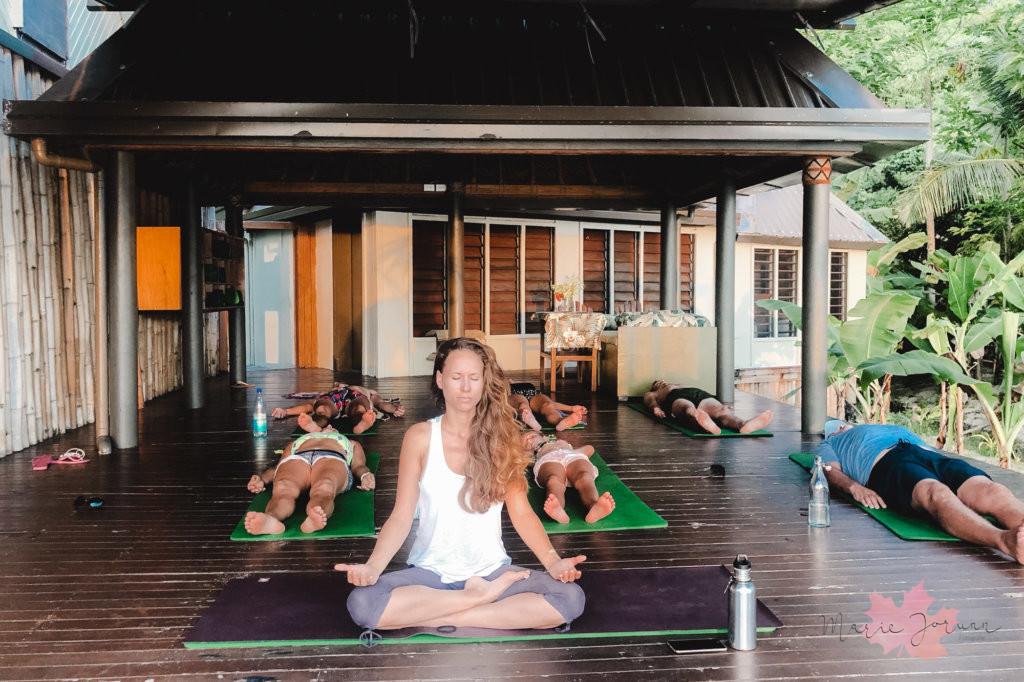 yoga fiji1