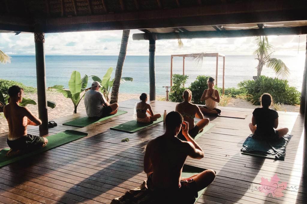 yoga fiji2